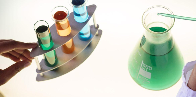 pexels-retha-ferguson-3825573-1170x582 Liquids lagern und richtig mischen: Fünf Tipps für mehr Sicherheit und den perfekten Geschmack